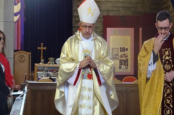 [:pl]Wizyta duszpastersko - misyjna Biskupa Adama Rośka  w Glasgow Szkocja[:]