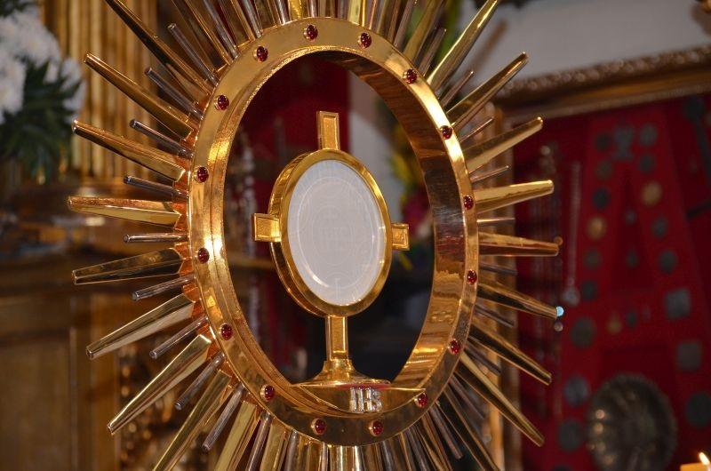 Msza święta z adoracją Najświętszego Sakramentu