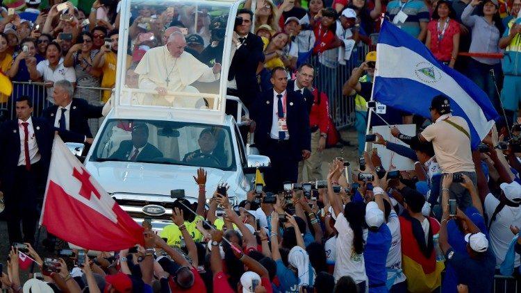 Franciszek do młodych: nie jesteście przyszłością, ale Bożym teraz