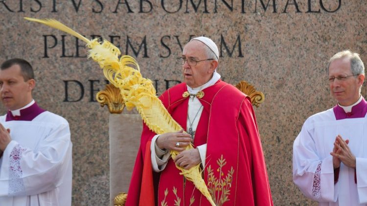 Papież na Wielki Tydzień : z krzyżem nie można negocjować