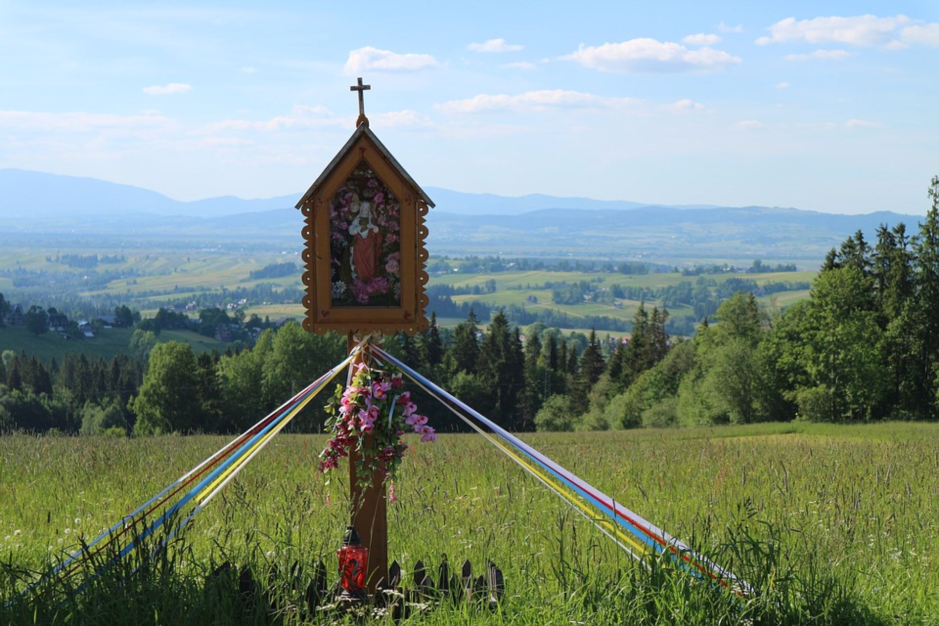 Chwalcie łąki umajone - rozpoczynamy w imię Boże miesiąc maj
