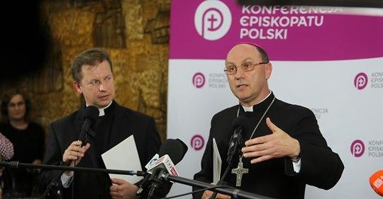 Biskupi podejmują systemową odpowiedź na problem wykorzystania dzieci i młodzieży