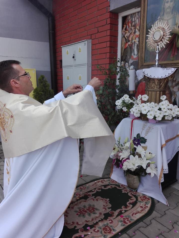 Boże Ciało w Parafiach - fotorelacja z parafii wieluńskiej