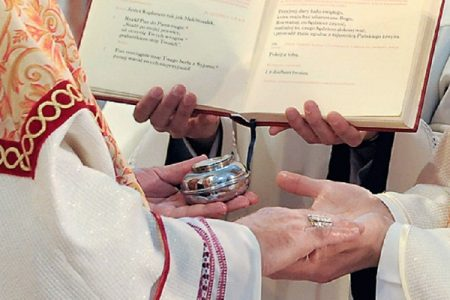 Kapłan nie powinien obawiać się ubóstwa