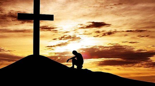 Kłaniamy Ci się Panie Jezu i błogosławimy Ciebie, że przez Krzyż i Mękę świat zbawiłeś.