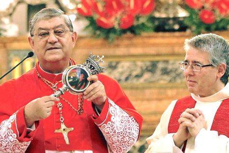 Krew św. Januarego niestety pozostała zakrzepnięta